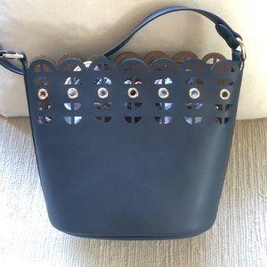 Navy Stella & Dot bucket bag with interior purse